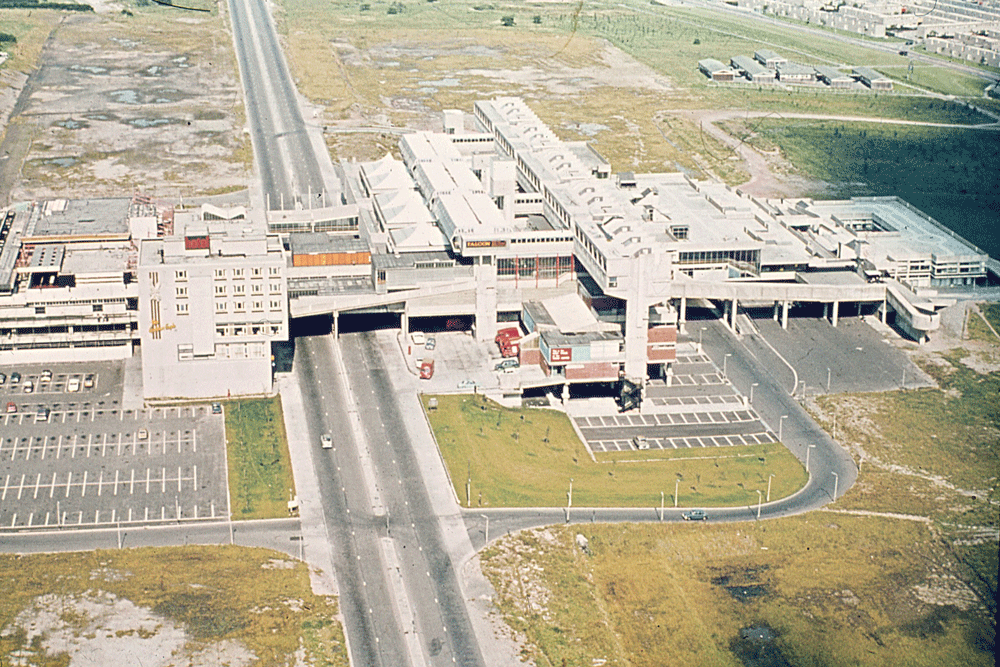 Cumbernauld town centre (JR James Archive/Flickr)