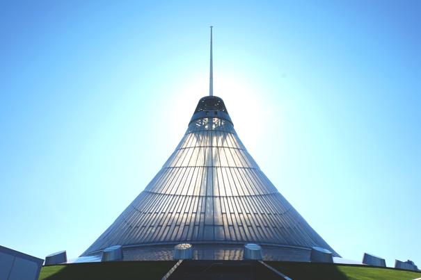Astana kazakhstan 39 s high kitsch capital little atoms for Architecture kitsch